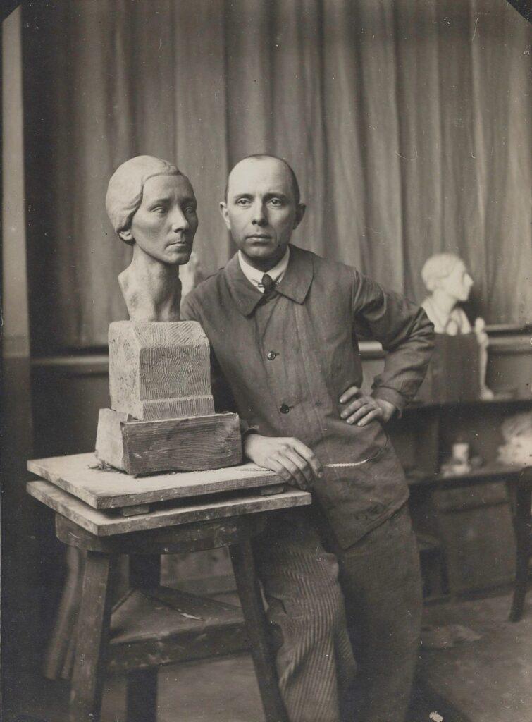 Arnold Ronnebeck, Studio, c1923